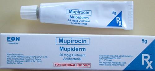 Если патология спровоцирована стафилококками, то без антибактериальных средств не обойтись