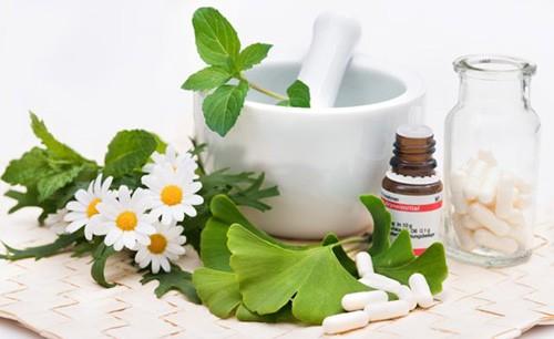 Лечение народными средствами должно проводиться под наблюдением специалиста. Используются данные рецепты только в комплексе с антибиотикотерапией.