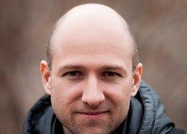 Выпадение волос у мужчин в молодом возрасте: причины облысения ...