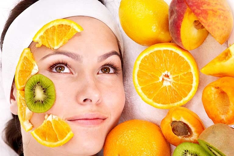 Фруктовые соки - лучший ингредиент для питательных масок от шелушения и покраснения